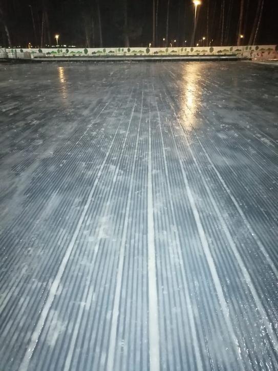 Наморозка чернового слоя льда